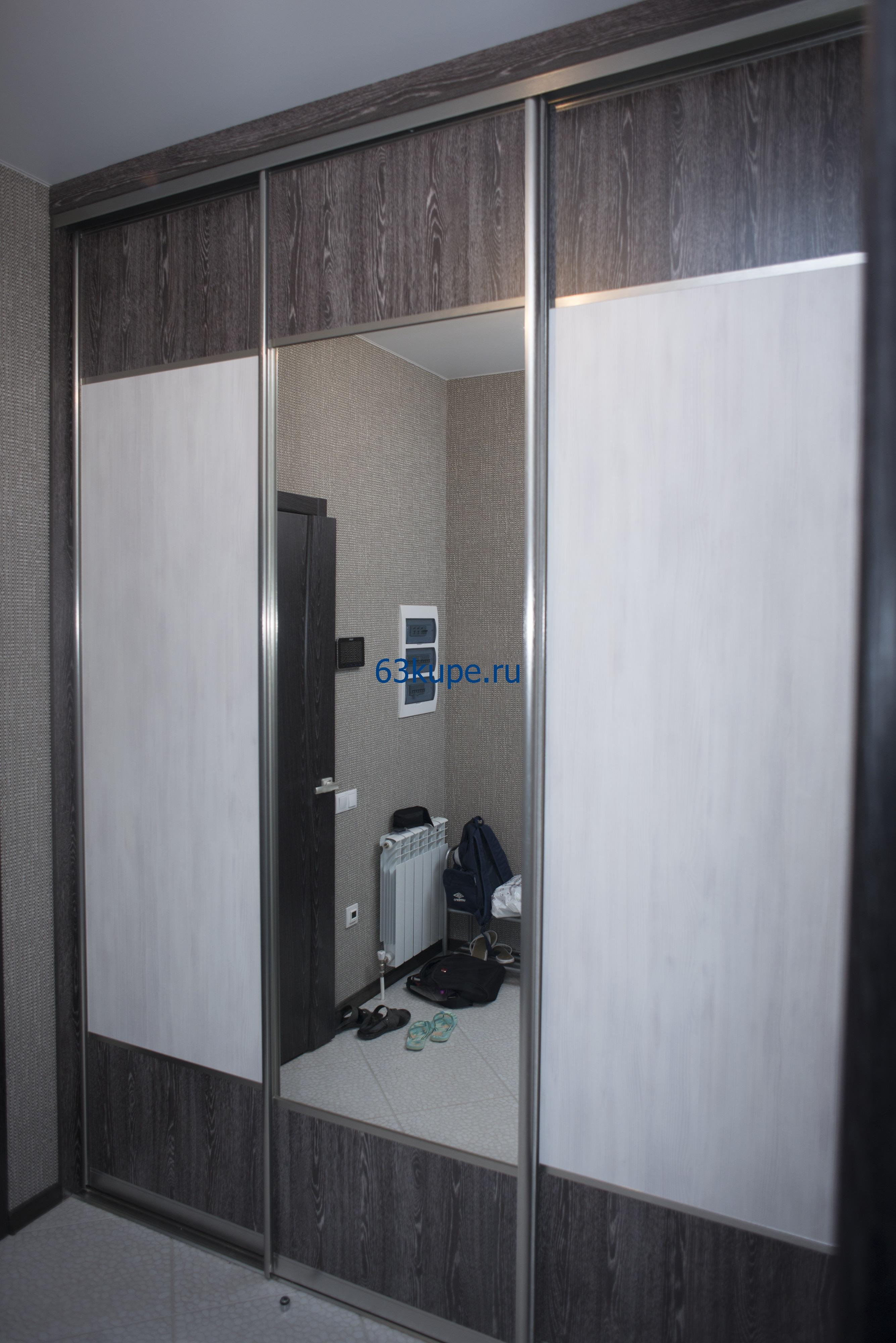 Шкаф купе в прихожую, высота до потолка 2,8 метра.