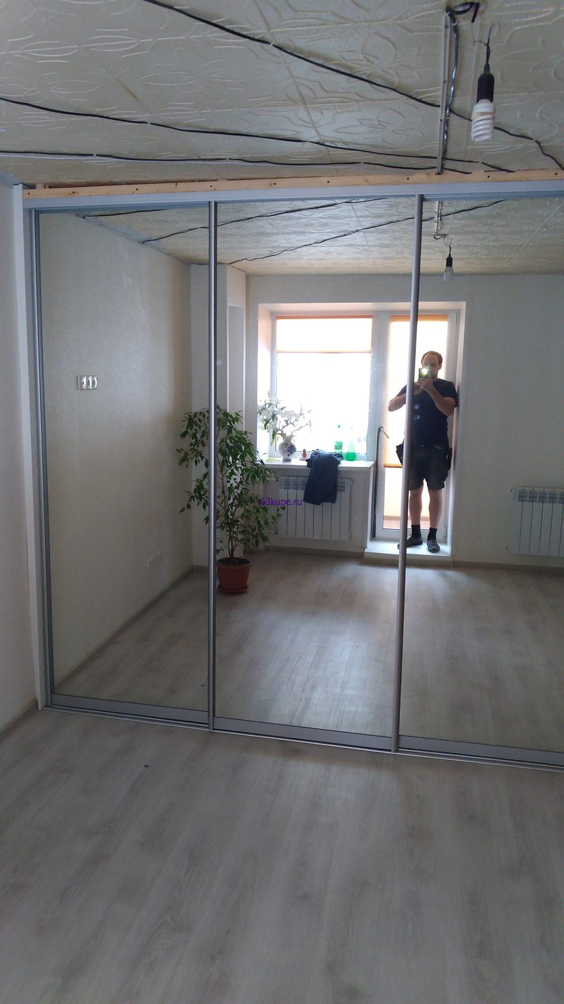 шкаф купе и натяжной потолок
