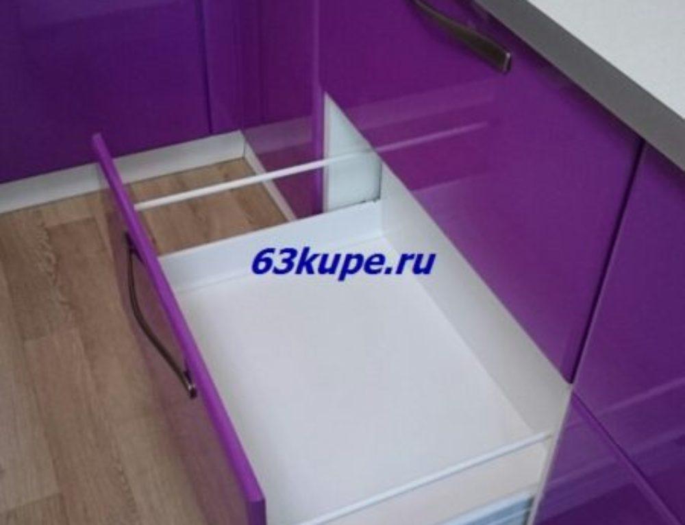 Угловая кухня с фурнитурой Blum